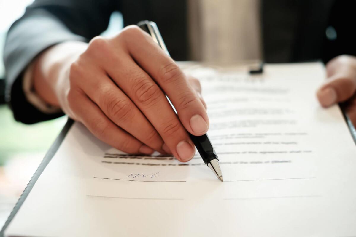 Il-contratto-di-trasloco_-come-è-fatto-1200x800.jpg