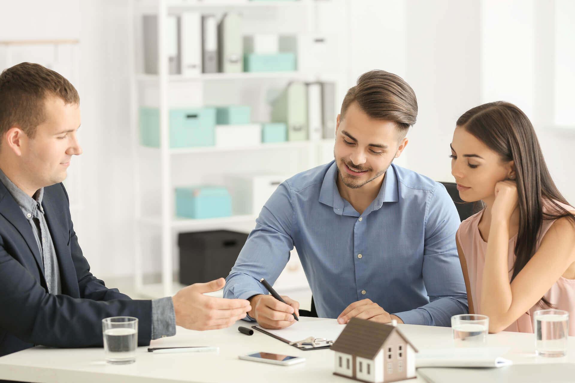 12 cose da sapere per scegliere la ditta di traslochi - contratto - Caturano Traslochi