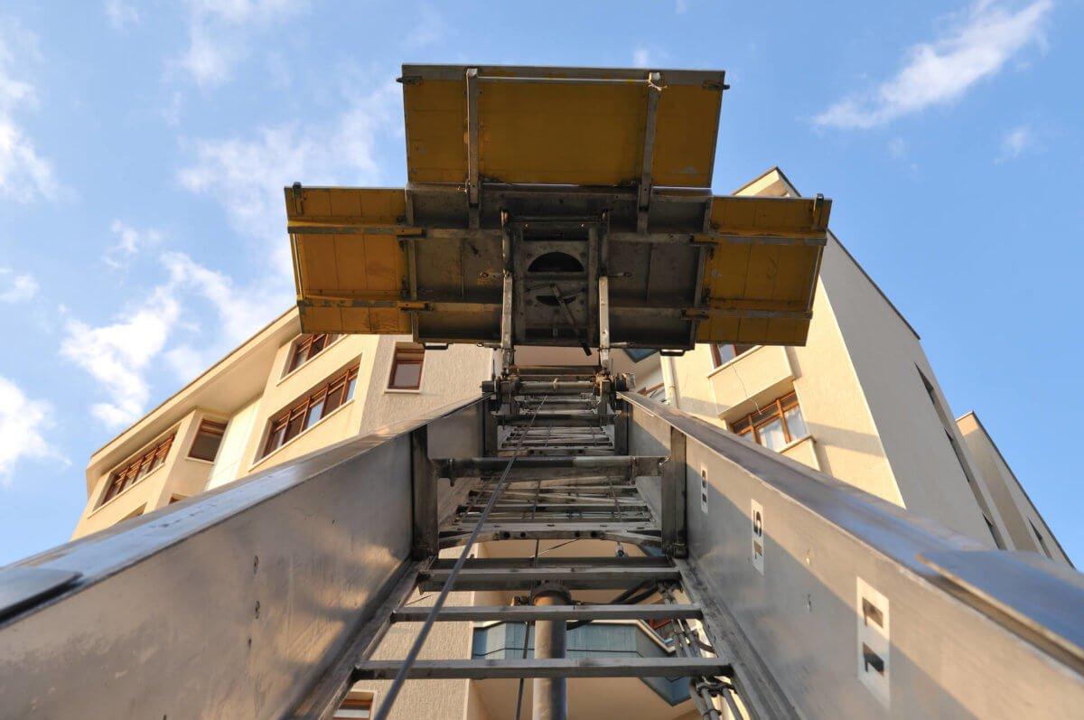 Trasloco-senza-autorizzazione-ecco-cosa-si-rischia-Caturano-Traslochi-1200x797.jpg